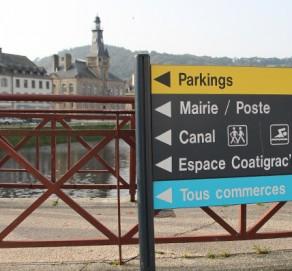 Signalétique urbaine, commerciale et touristique – Ville de Chateaulin
